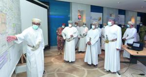 رئيس وأعضاء اللجنة العليا يطلعون على تجهيزات المستشفى الميداني لمرضى (كوفيد ـ 19)