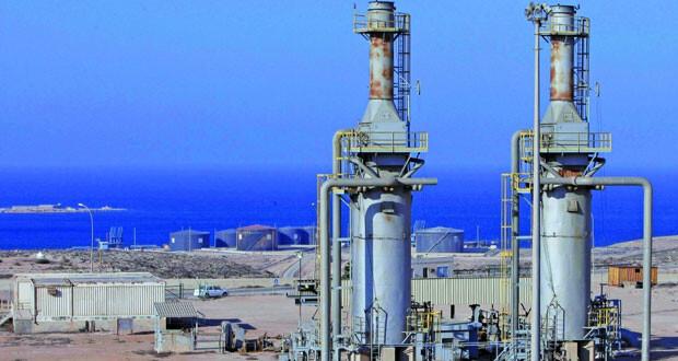 تحميل مليون برميل نفط من ميناء الحريقة الليبي