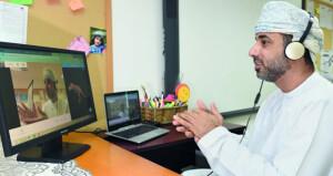 (التربية والتعليم) تنفذ خطة لتدريب الهيئة التدريسية والوظائف المرتبطة بها على برنامج التعليم عن بُعد