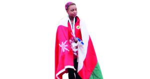 التضامن الأولمبي الدولي يوقف منحة العداءة الأولمبية مزون العلوية