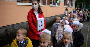 الصحة العالمية: يجب أن يعود الأطفال إلى المدارس وفقا لشروط آمنة