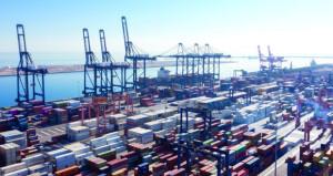"""""""العمانية لنقل الحاويات"""" ضمن أفضل 55 شركة عالمية في مجال النقل البحري"""