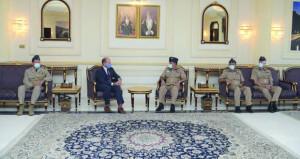 رئيس هيئة أركان القوات الجوية الملكية البريطانية يصل الى البلاد