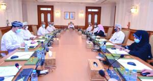 مكتب مجلس الشورى يستعرض مرئيات بعض اللجان الدائمة بالمجلس حول النقاط المستخلصة من رؤية عمان 2040