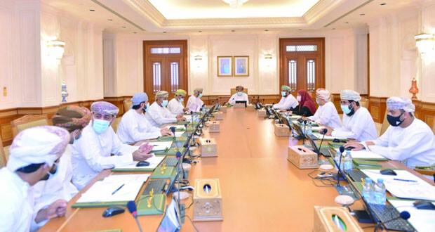 مكتب مجلس الشورى يناقش تفعيل محاور الرؤية المستقبلية «عمان 2040»