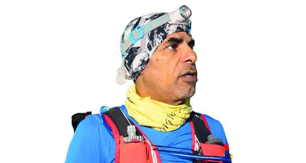 حمد الحارثي «62سنة» ويستعد لتسلق قمة جبل كليمنجارو