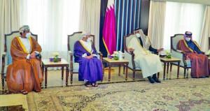 تحيات جلالة السلطان لأمير قطر نقلها وزير الداخلية