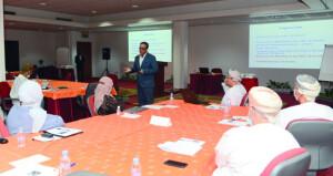 (إشراقة) تنظم حلقة عمل (نحو قيادة تتجاوز الدور الوظيفي) لأعضاء هيئة التدريس بجامعة السلطان قابوس