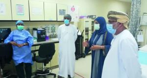 «الصحة» تتابع سير العمل فـي المؤسسات الصحية التابعة لها بمحافظة مسندم