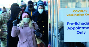 المصابون بـ «السلالة الجنوب إفريقية» محميون ضد السلالات الأخرى.. و«البرازيلية» قادرة على التهرب من جهاز المناعة