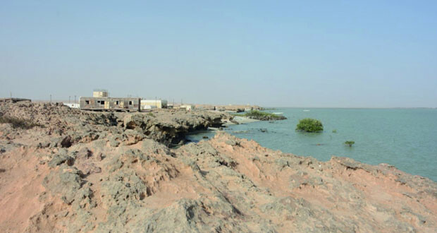 شاطئ «فلم» .. محطة سياحية لهواة الاستجمام