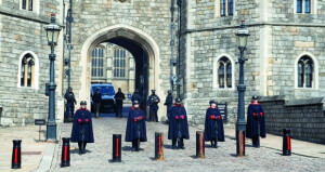 الأمير هاري يعود إلى بريطانيا للمشاركة فـي جنازة جده فيليب