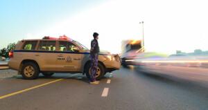 الشرطة تدعو سائقي المركبات التحلي بالصبر والالتزام والتركيز أثناء السياقة خصوصا خلال فترات ذروة الازدحام وقبيل الإفطار