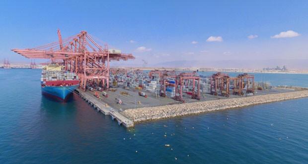 ميناء صلالة يسجل مناولة للحاويات بأكثر من مليون حاوية في الربع الأول