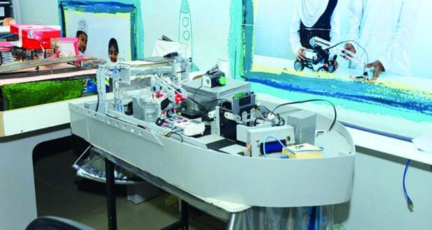 مختبر الروبوت التعليمي .. دور ريادي فـي تنمية المهارات الطلابية