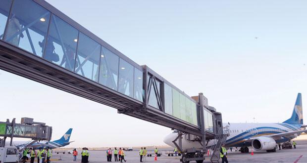 «الطيران المدني»: الرحلات بين السلطنة والهند للفئات المستثناة فقط