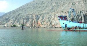 جهود متواصلة لتوفير مياه الشرب بمحافظة مسندم