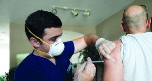 دلتا يهدد مكاسب مكافحة كوفيد ١٩ .. واللقاحات فعالة مع المرض