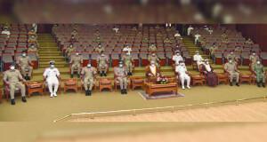 كلية القيادة والأركان لقوات السلطان المسلحة تحتفل بتخريج دورة القيادة والأركان الرابعة والثلاثين