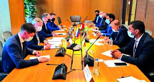 السلطنة وروسيا تبحثان تعزيز علاقات التعاون التجاري