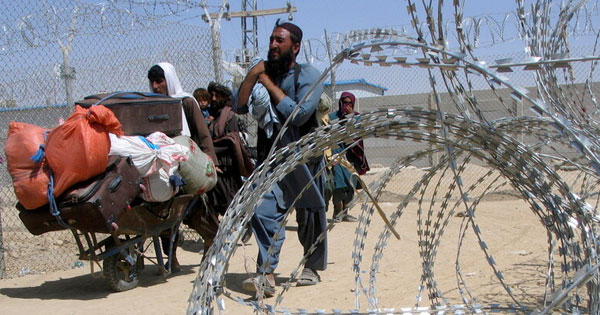 جدل حول موعد إجلاء الأميركيين وحلفائهم من كابول .. ومستقبل المطار محل نقاش