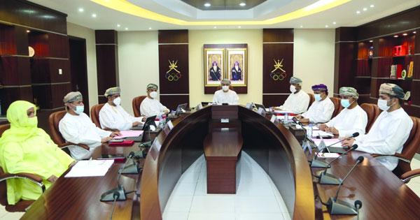 اللجنة الأولمبية تبحث التحضير للانتخابات وتستعرض مشروع الميزانية والمشاركة فـي البطولة الخليجية