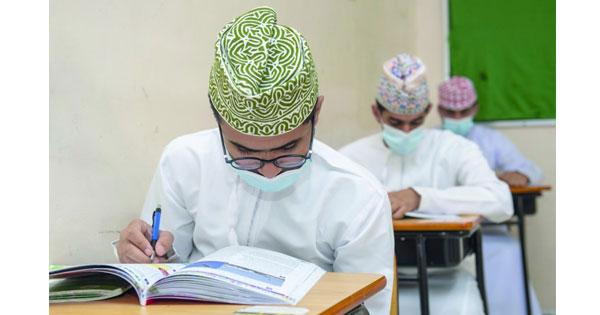 «الوطن» تستطلع جاهزية المدارس لانتظام الطلبة حضوريا