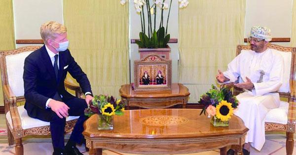 وزير الخارجية يبحث مع المبعوثين الأممي والأميركي جهود إنهاء الحرب باليمن