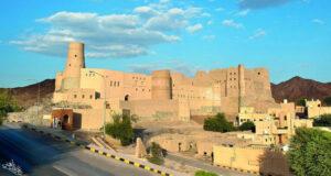 قلعة بهلاء لوحة ساحرة تشاهدها من جميع الاتجاهات ولها عنوان واحد