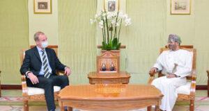 وزير الخارجية يتسلم نسختين من أوراق اعتماد سفيري المملكة المتحدة ومصر