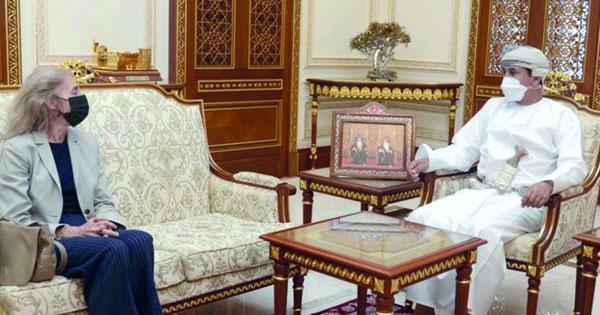 وزير المكتب السلطاني يستقبل سفيرة مملكة إسبانيا المعتمدة لدى السلطنة