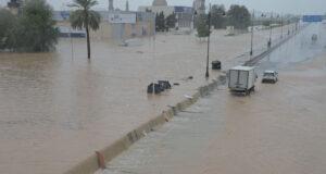 التقطت عدسة (الوطن) صورا للمياه في عدد من شوارع مسقط