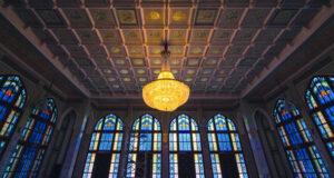 عدسة المصور عدنان البلوشي توثق جمالية مسجد الخور بمسقط