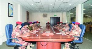 اللجنة العسكرية الرئيسية تناقش الأعمال الإنسانية والميدانية بمحافظتي شمال وجنوب الباطنة