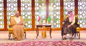 رسالة خطية من جلالة السلطان لخادم الحرمين الشريفين