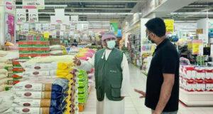 «حماية المستهلك» تواصل زياراتها للولايات المتأثرة بـ «شاهين» لضمان توافر السلع والخدمات الأساسية