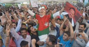 بريطانيا تفرج بكفالة عن سياسي باكستاني