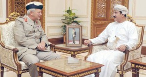 النعماني وبدر بن سعود والنبهاني يستقبلون مستشار وزير الدفاع البريطاني للشرق الأوسط