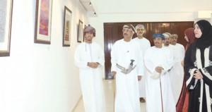 المعرض السنوي السابع عشر لطلبة قسم التربية الفنية ينقل حضور جمعية الفنون التشكيلية إلى عوالم الإبداع