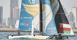 قارب الطيران العماني يخوض سباقًا واحدًا ويأمل في رياح أقوى لفرد أشرعته
