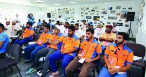 مشاركة واسعة في دورة تدريب المنظمين والمتسابقين لرياضة السيارات