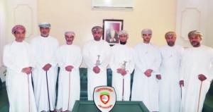 محافظ جنوب الباطنة يلتقى بأعضاء مجلس إدارة نادي الرستاق