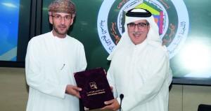 السلطنة تسلم اللجنة التنظيمية الخليجية إلى دولة قطر