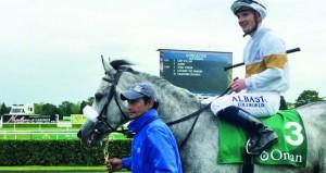 كرار يظفر بلقب سباق الخيالة السلطانية للخيول العربية بمضمار دونكاستر البريطاني