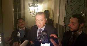 """تركيا: أردوغان من إسطنبول يعلن اسقاط """"الانقلاب"""" واشتباكات في أنقرة"""