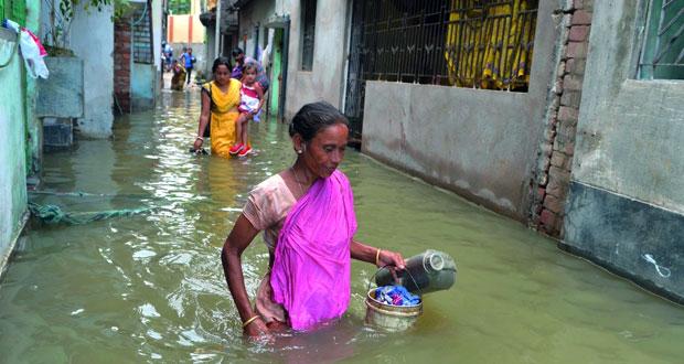 حصيلة الفيضانات جنوب آسيا تتجاوز ألف قتيل