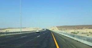 """""""النقل والاتصالات"""" تحتفل بافتتاح جزء من الطريق السريع بين ولايتي صحم وصحار بطول 27 كم"""
