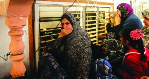 شهيد فلسطيني .. وقوات الاحتلال تقتحم منازل الفلسطينيين بالخليل