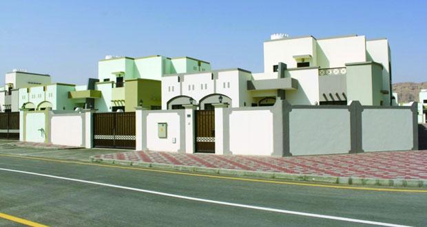 وزارة الإسكان تواصل العمل على تخطيط وتوزيع الأراضي بمختلف استعمالاتها