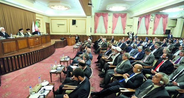 إيران ترحب بأي تخفيف للتوترات .. وترامب مستعد للحوار ويحث الدول على حماية ناقلاتها النفطية